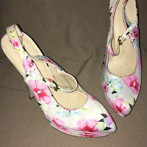Shoe dazzle stiletto pump sz 9 floral shoes